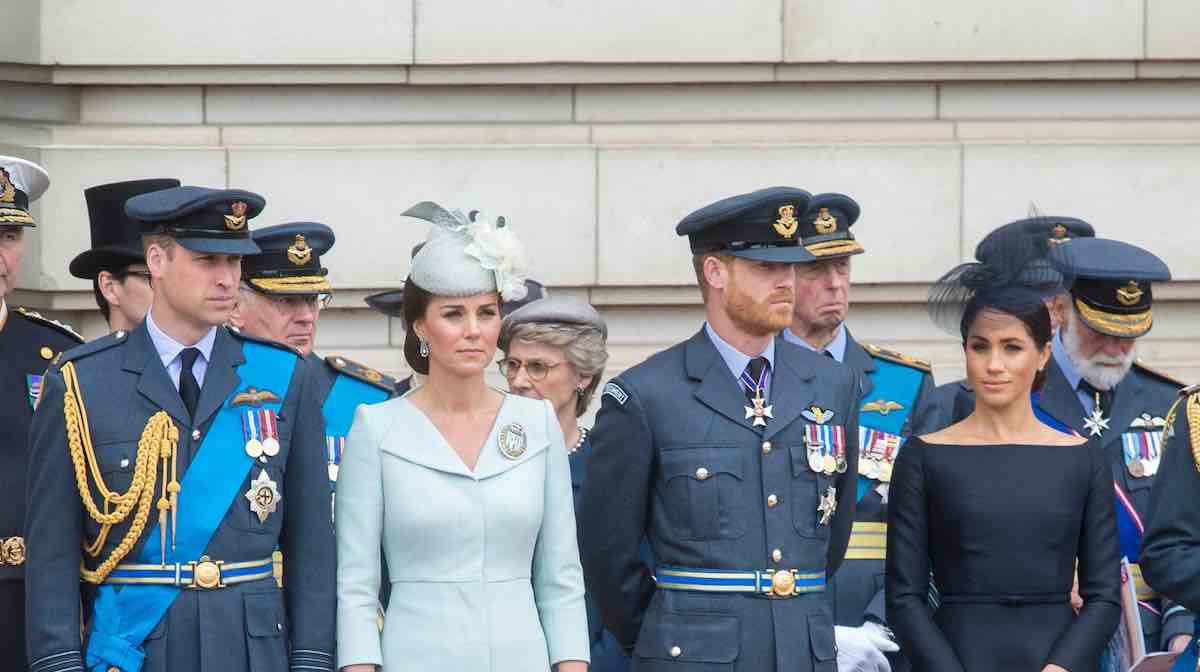 Elizabeth II, « le père biologique » d'Harry mis à contribution par la reine, les fuyards s'apprêteraient à regagner Londres